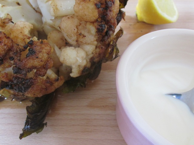 Roasted whole cauliflower_25142495